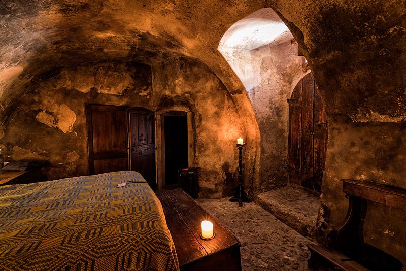 Santo Stefano di Sessanio guest room